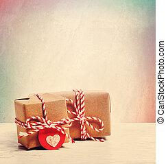 piccolo, fatto mano, scatole regalo, su, sfondo pastello