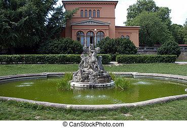 piccolo, fontana, con, sculture, di, ragazzi, in, giardino