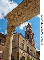 Piccolomini well in Piazza Pio II, the main square of Pienza...
