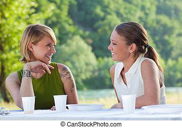 picknicking, friends, weibliche