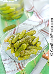 picled cucumbers