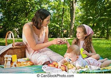 picnic, -, madre con los niños