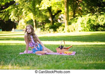 picnic, parco, giovane, bella ragazza, detenere