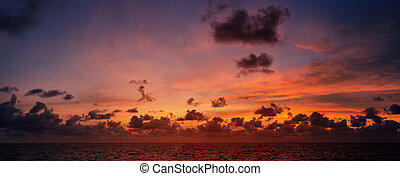Picturesque beautiful view of sky at sunset over tropical ocean