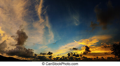 Picturesque beautiful view of sky at sunset over tropical sea