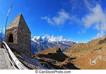 Picturesque Grossgloknershtrasse - Picturesque alpine road...