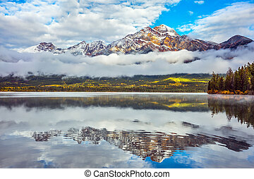 Pyramid Mountain reflected in Pyramid Lake - Picturesque ...