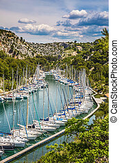 Picturesque small bay - Calanques with turquoise water. ...