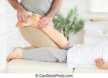 pied, masseur, femme, masser