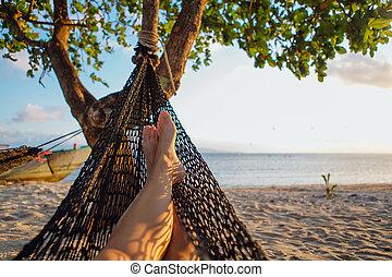 piedi, amaca, donna, spiaggia, giovane