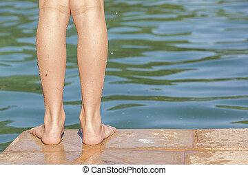 piedi, ragazza, sicurezza, stagno