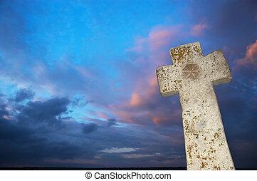 piedra, cruz, en, cielo oscuro, plano de fondo