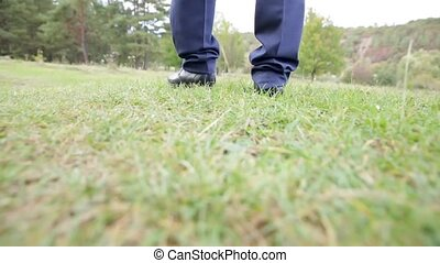 pieds, aller, grass., hommes, chaussures