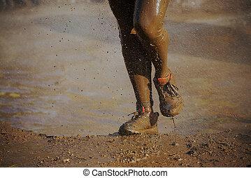 pieds, boue, boueux, course, coureur