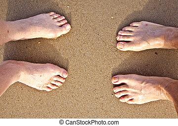 pieds, couple, plage