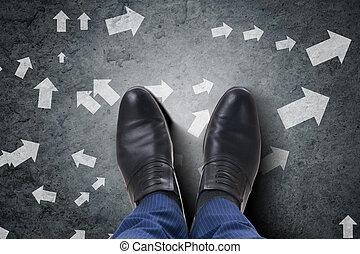 pieds, dilemme, choix, revêtement, homme affaires, difficile