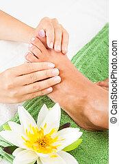 pieds, femme, subir, masage