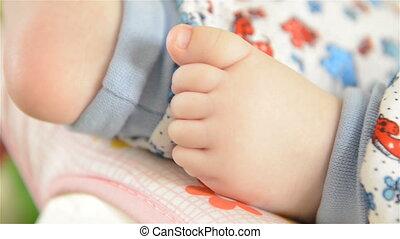pieds, nouveau né, peu, bébé