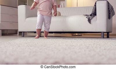 pieds, peu