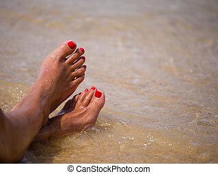 pieds, plage, femme, closeup
