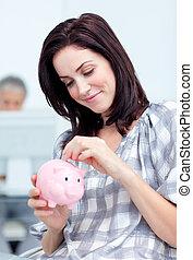 pieniądze, zbawczy, piggy-bank, jarzący się, kobieta ...