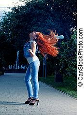 pieno, lei, haired, lungo, lunghezza, ritratto, head., tremante, rosso, donne