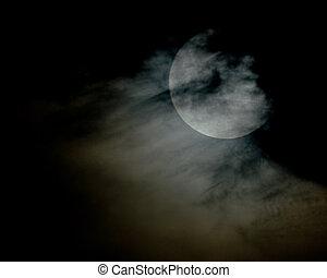 pieno, nuvoloso, luna
