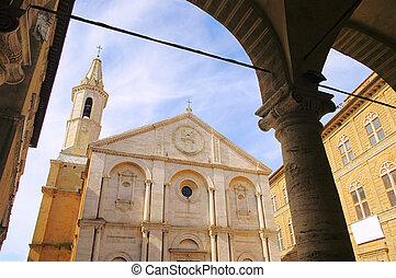 Pienza cathedral 02