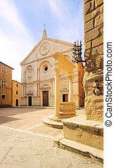 Pienza cathedral 05
