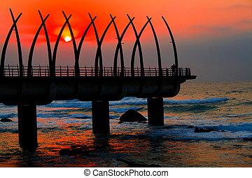 pier, an, sonnenaufgang