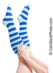 piernas, calcetines rayados