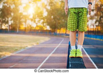 piernas, de, un, gimnasta, en, el, barra de equilibrio,...
