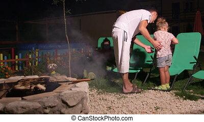 pierre, famille, dépenser, grillade, père, week-end, brûler,...