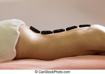 pierre, femme, obtenir, salon, chaud, spa, masage