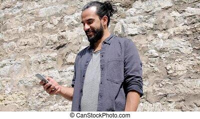 pierre, smartphone, mur, texting, 6, message, homme