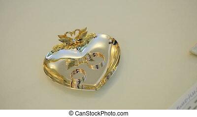 pierres, or, anneaux, mariage, précieux, soucoupe