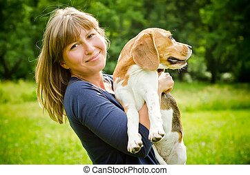 pies gończy, kobieta