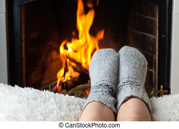 pies, niños, chimenea, calentado