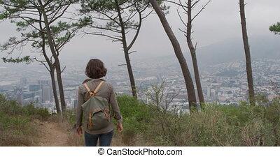 pieszy, kobieta kaukaska, las