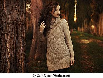 pieszy, kobieta, park, młody, nostalgiczny, jesień