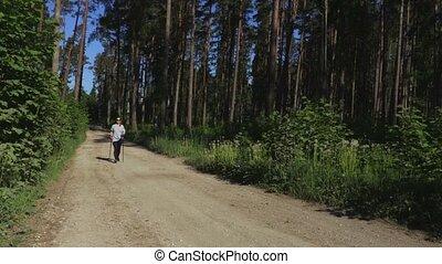 pieszy, kobieta, wycieczkowicz, słupy, nordycki, droga, las