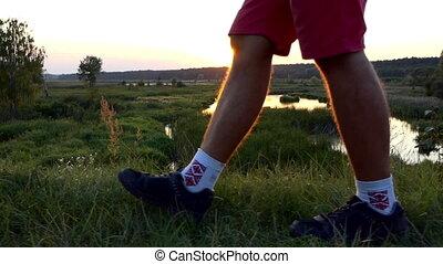 pieszy, powolny, motion., zachód słońca, nogi, człowiek