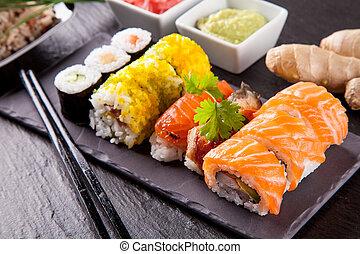 pietra, sushi, pezzi, nero, delizioso, servito