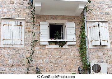 pietra, windows, due, parete, finestra, chiuso, fiori bianchi, aperto, otturatori