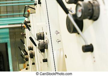 pieza de la máquina, impresión, compensación