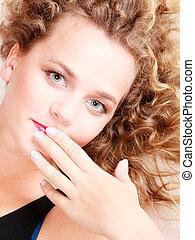 pige portræt, hos, lys, curly, hair., closeup, i, kvindelig, face.