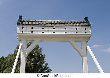 Pigeonhole bridge - Traditional old entrance gate of farm...