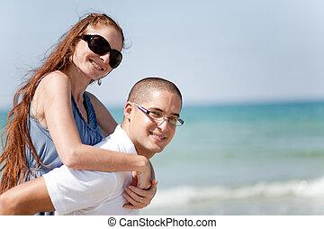 piggyback, sympatia, jego, młody mężczyzna
