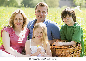 piknik, család, ülés, szabadban, kosár, mosolygós