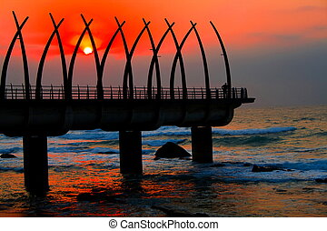 pilíř, východ slunce